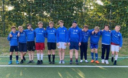 Blaue Hoodies für die Potsdamer Kickers