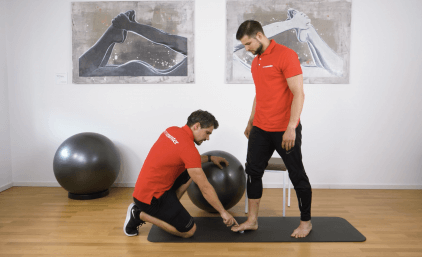 Die besten Übungen bei Beschwerden im Großzehengelenk